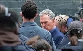 Revelan primeras fotos de Michael Keaton como Bruce Wayne